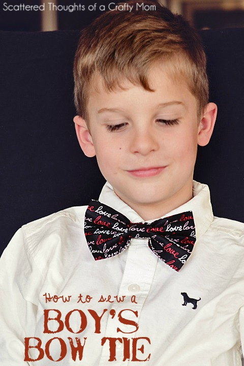 This is the first tie or in fact, first bow tie we have featured on Sew Modern Kids and the tutorial is FREE. The designer has made two different sizes of bow tie which can be made with either a sewing machine or because the project is so simple can be sewn by hand. Sewing by hand will take about 40 minutes while using a sewing machine will cut the time down to 10 or 15 minutes.