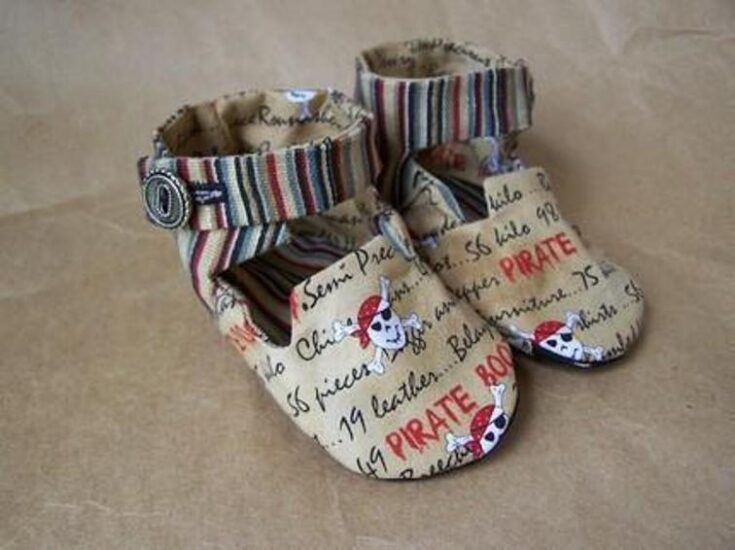 High Top Baby Shoes free pattern